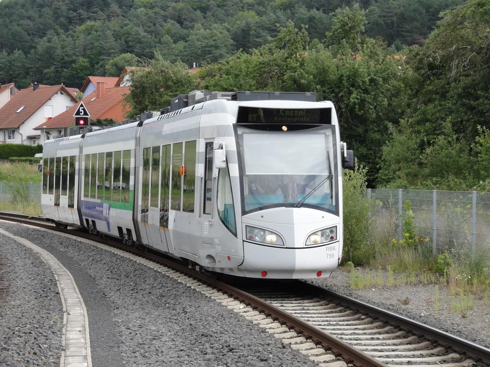 Duospårvagn i Kassel. Bild: Eastpath (CC BY-SA 3.0).
