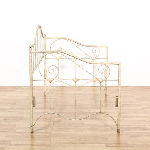 shabby chic cream metal daybed loveseat vintage. Black Bedroom Furniture Sets. Home Design Ideas