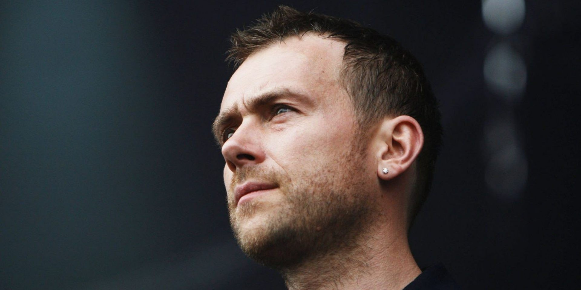 """Damon Albarn urges music to be more political, condemns """"selfie music"""""""