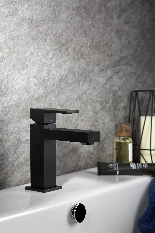 Ergo-Q servantkran firkantet, matt sort