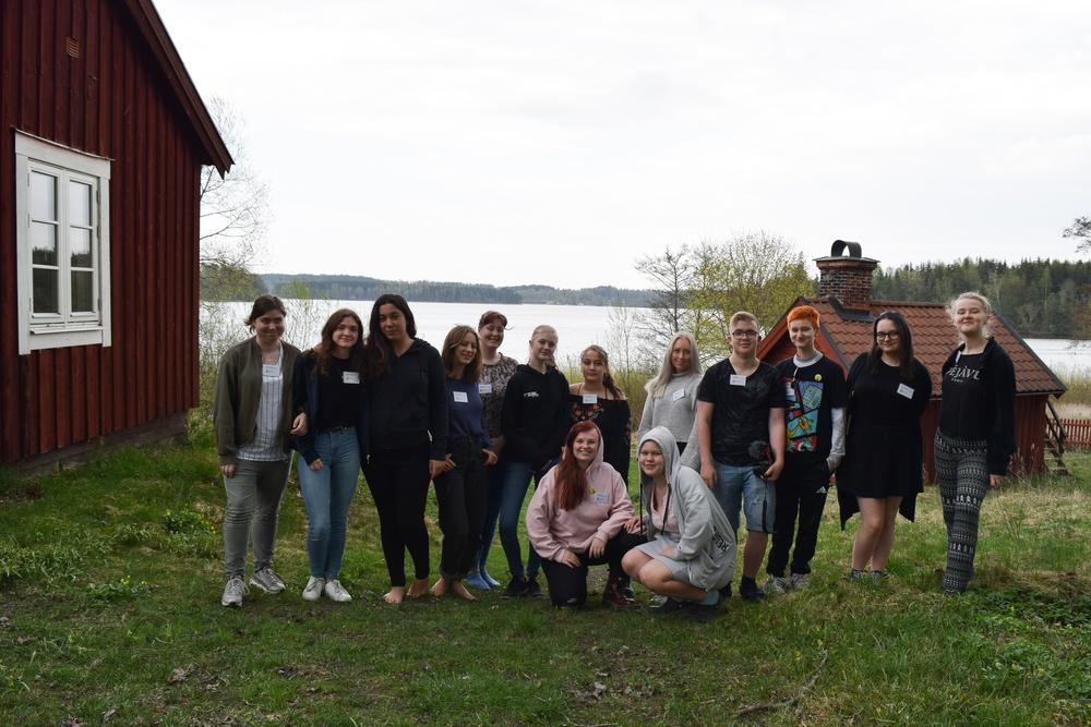 Bild från Djurskyddet Ungdoms förbundsstämma i maj 2019. Stämman arrangerades i samband med en föreningsutbildning i Gnesta.  Foto: Sandra Rönnsved
