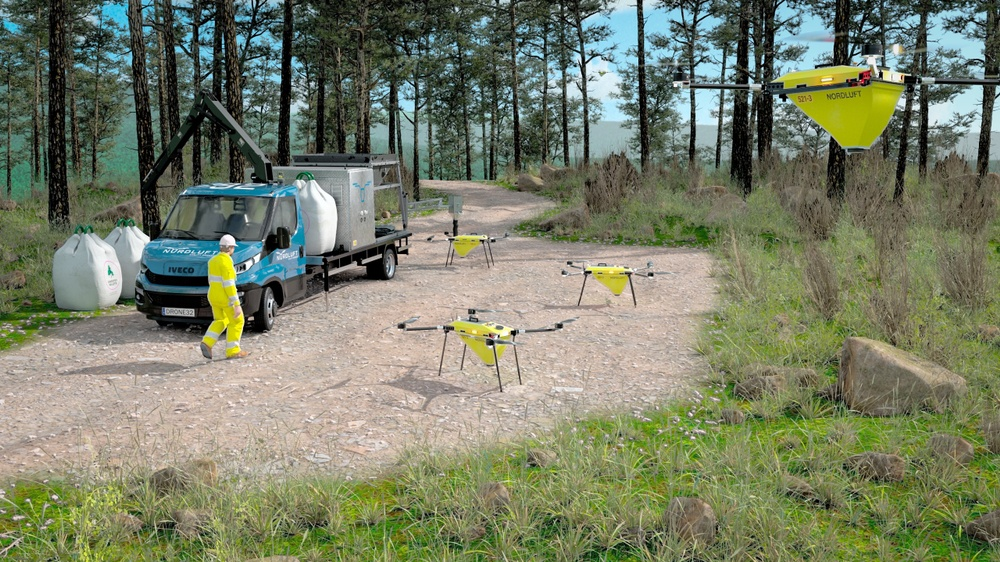 Nordluft's super drones can carry 30 kilos of cargo and fertilizes forests in a cheap, environmentally friendly way. Photo: Nordluft
