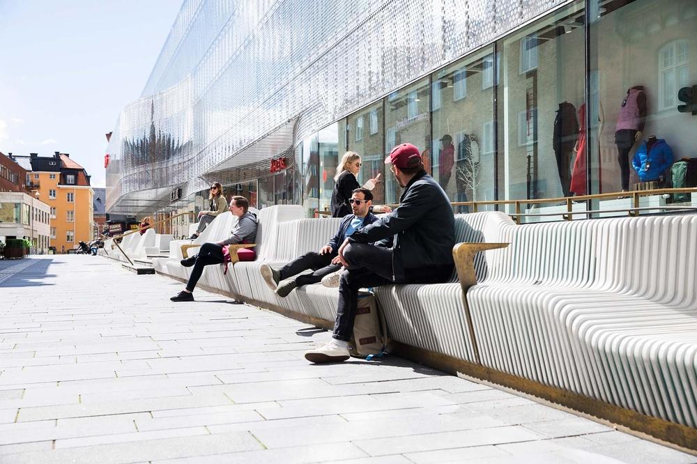 Uppsala city, soffan vid Forumtorget. Foto: Tina Axelsson