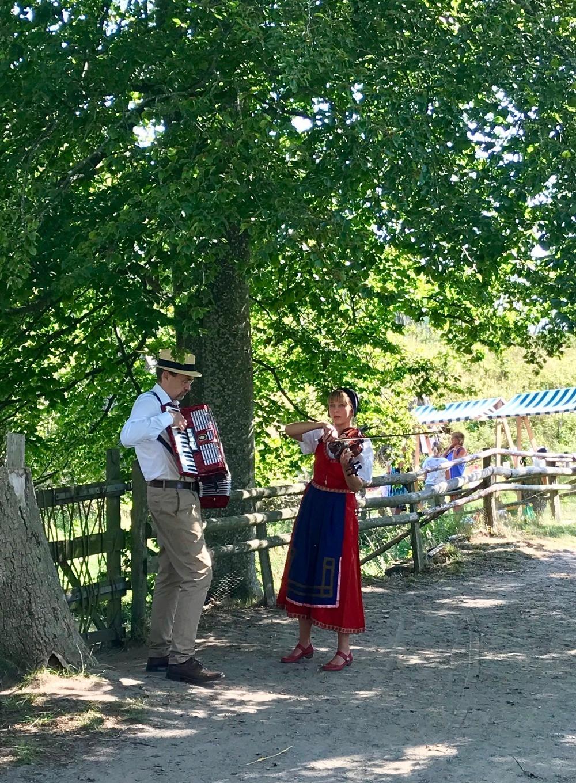 Riksspelemännen Erik Ask-Upmark och Anna Rynefors. Foto: Viveca Ohlsson, Kulturen