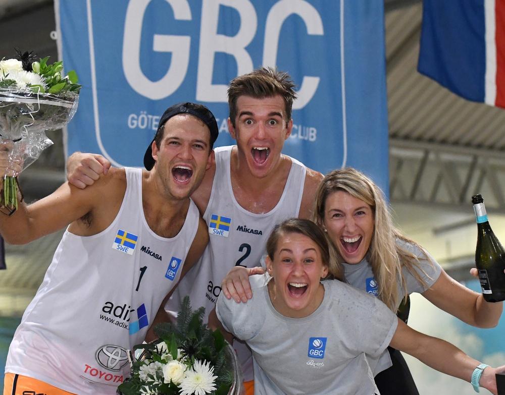 Guld och guld till GBC. Martin Appelgren, Alexander Herrmann, Sigrid Simonsson, Nina Grawender. Foto: Johanna Svensson