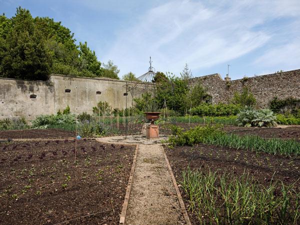 Longueville Manor garden