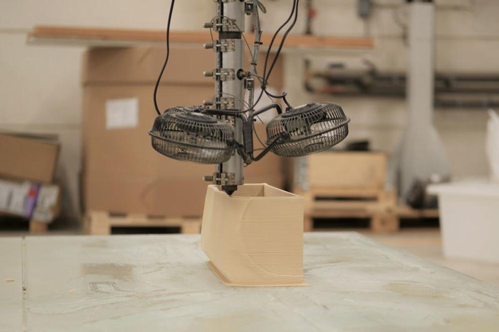 Entreprenörer från hela Sverige kommer till Sysslebäck för att skapa 3D-utsrifter av biokomposit. Med den nya utbildningen blir dragkraften till 3D-tekniken och Torsby kommun ännu starkare. Foto: Paper Province.
