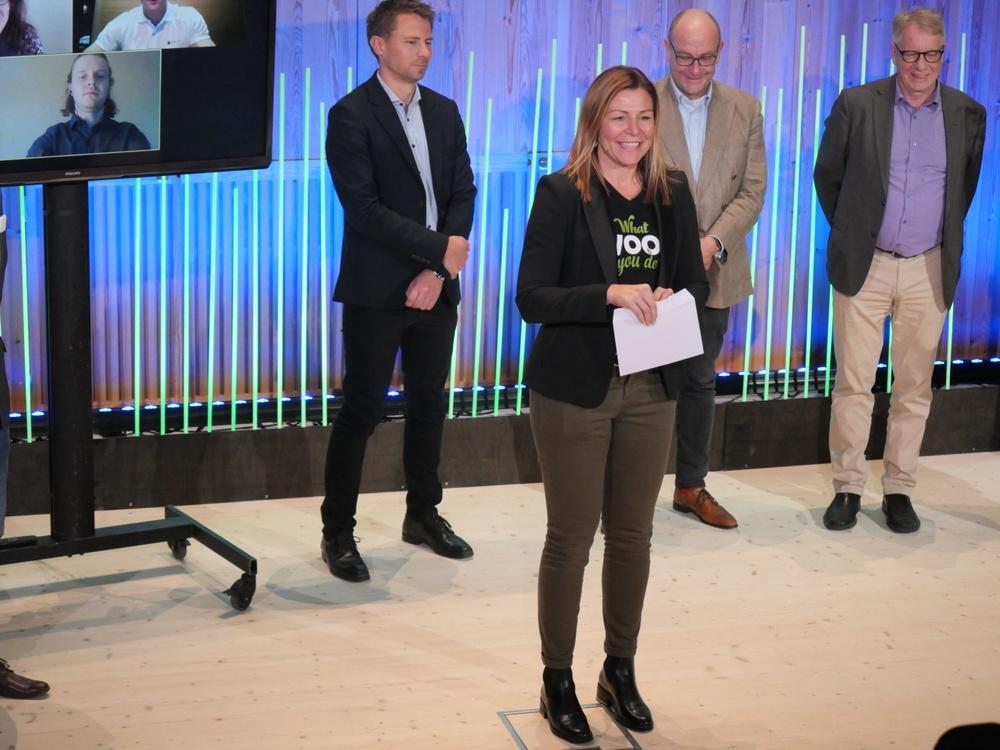 The winner was announced by Paper Province's CEO Sandra Sundbäck. Photo: Annica Åman/Paper Province
