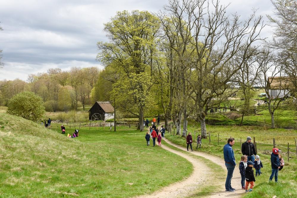 Året runt kan man följa Östarpsspåret på Kulturens Östarp. Foto: Viveca Ohlsson/Kulturen