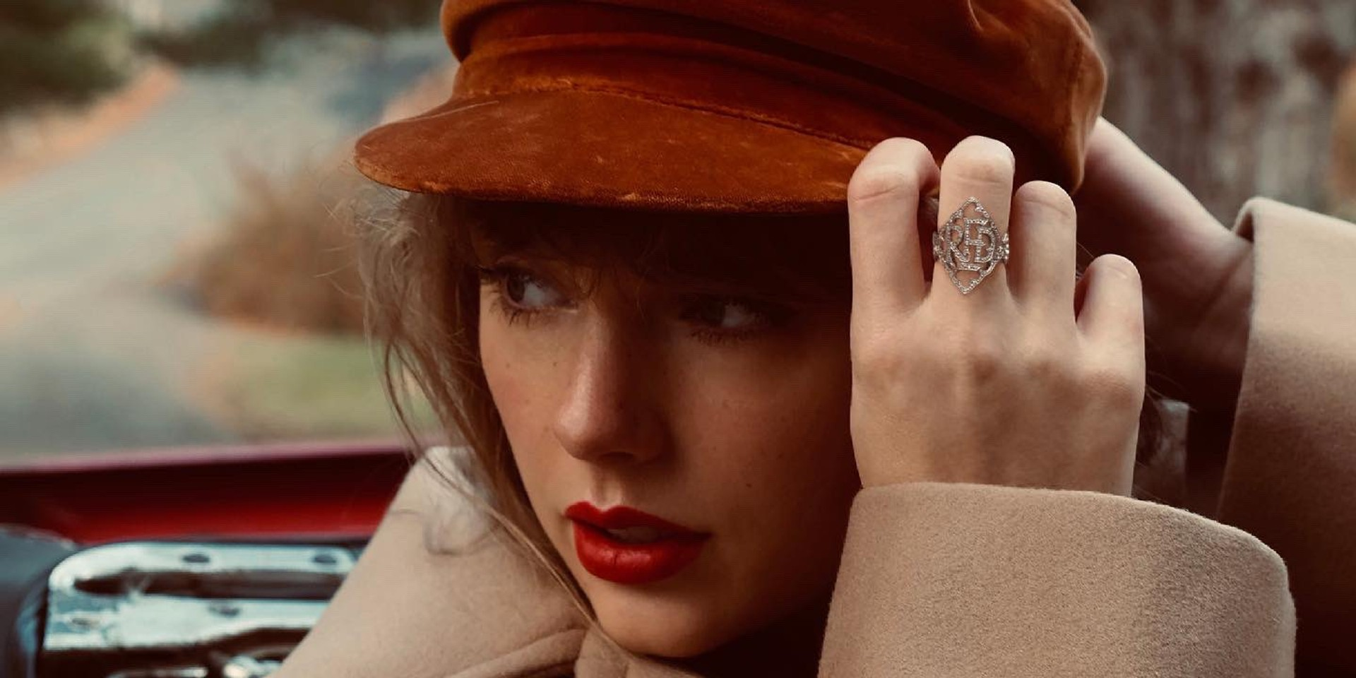 """Taylor Swift to release 'Red (Taylor's Version)' with """"all 30 songs meant to go on Red"""""""