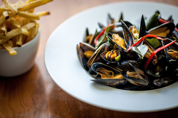 St Austell Bay mussles, kaffir lime, ginger, chilli, coconut and coriander