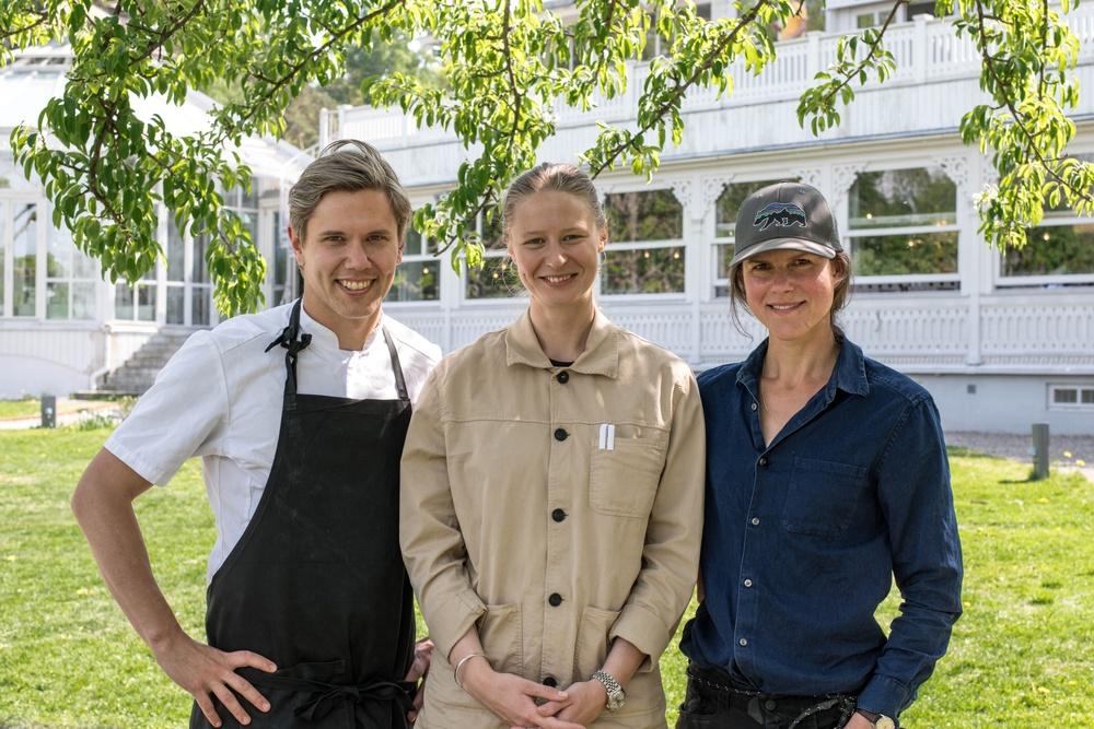 Tommy Myllymäki, kreativ ledare för Svenska Brasserier, Fanny Sturén, restaurangchef Ulriksdals Värdshus & Maria Hult, trädgårdsmästare vid Ulriksdals Värdshus