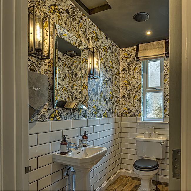 The Hog Lowestoft bathroom