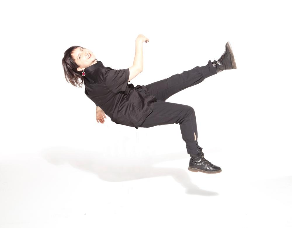 Koreografen/dansaren Silvia Gribaudi. Foto:  Luca Giabardo