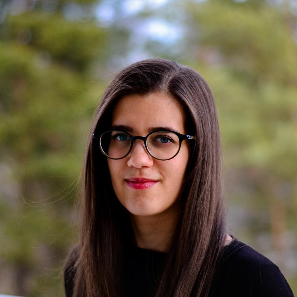 Lara Lama PriceRunner