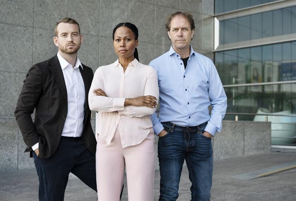 Jakop Dalunde, Alice Bah Kuhnke och Pär Holmgren utanför Europaparlamentet