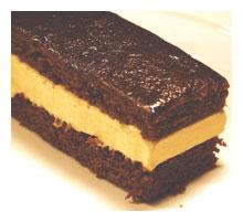 Honey ice-cream and gingerbread sandwich
