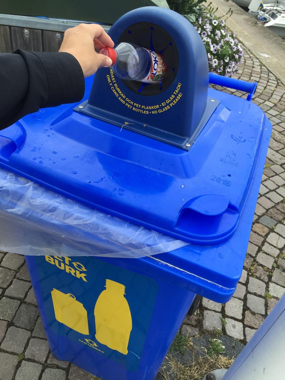 Pantkärl Foto: Returpack - Pantamera