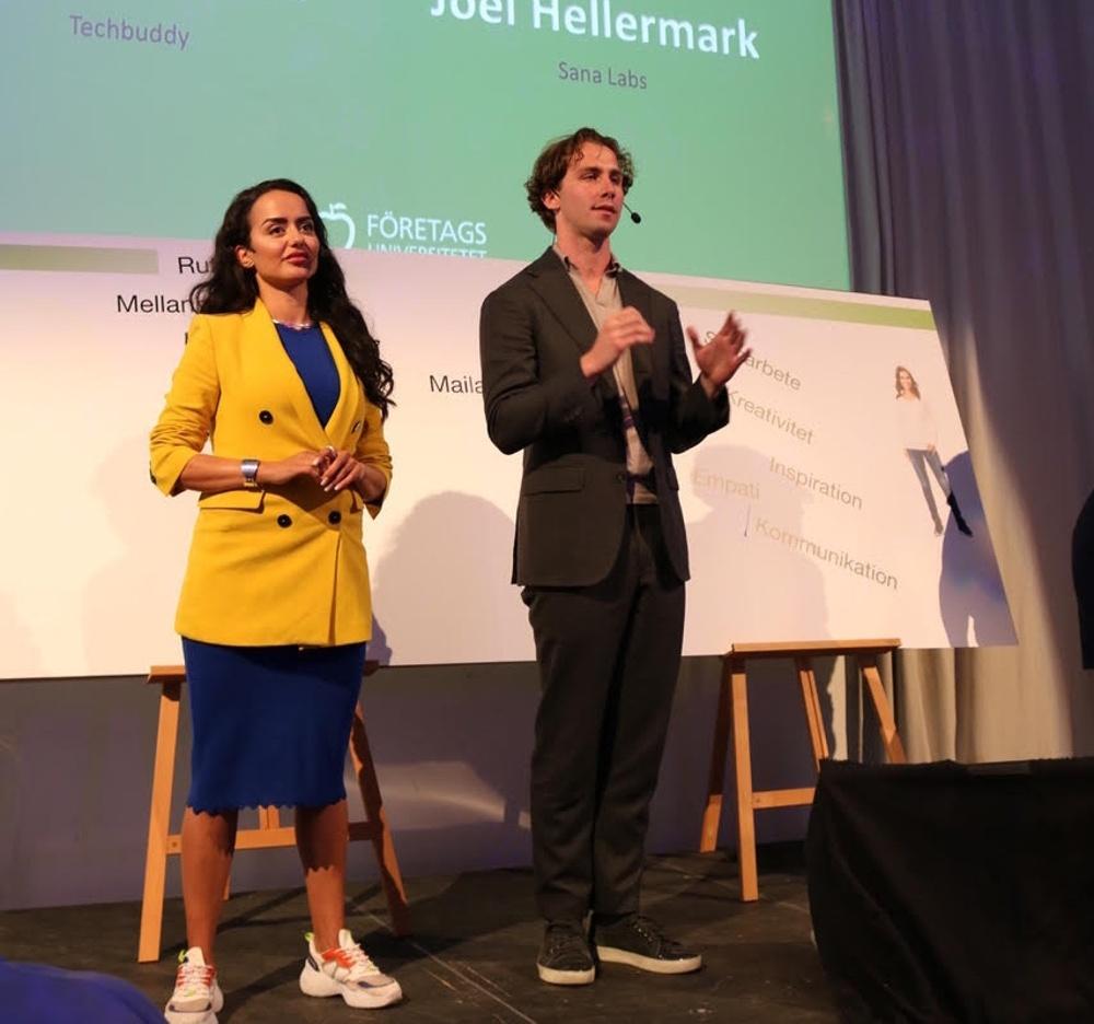 Ishtar Touailat på scen med Jonas Hellermark.