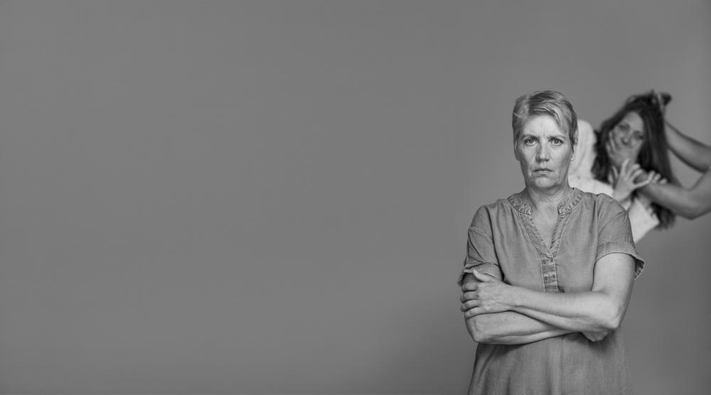 """""""Jag skulle då gå vid första slaget"""", föreläs/ställning med Matilda Kjellmor och Lena Stenvall (t.v), spelas på Berättarfestivalen 2021. Foto: Patrick Degerman."""