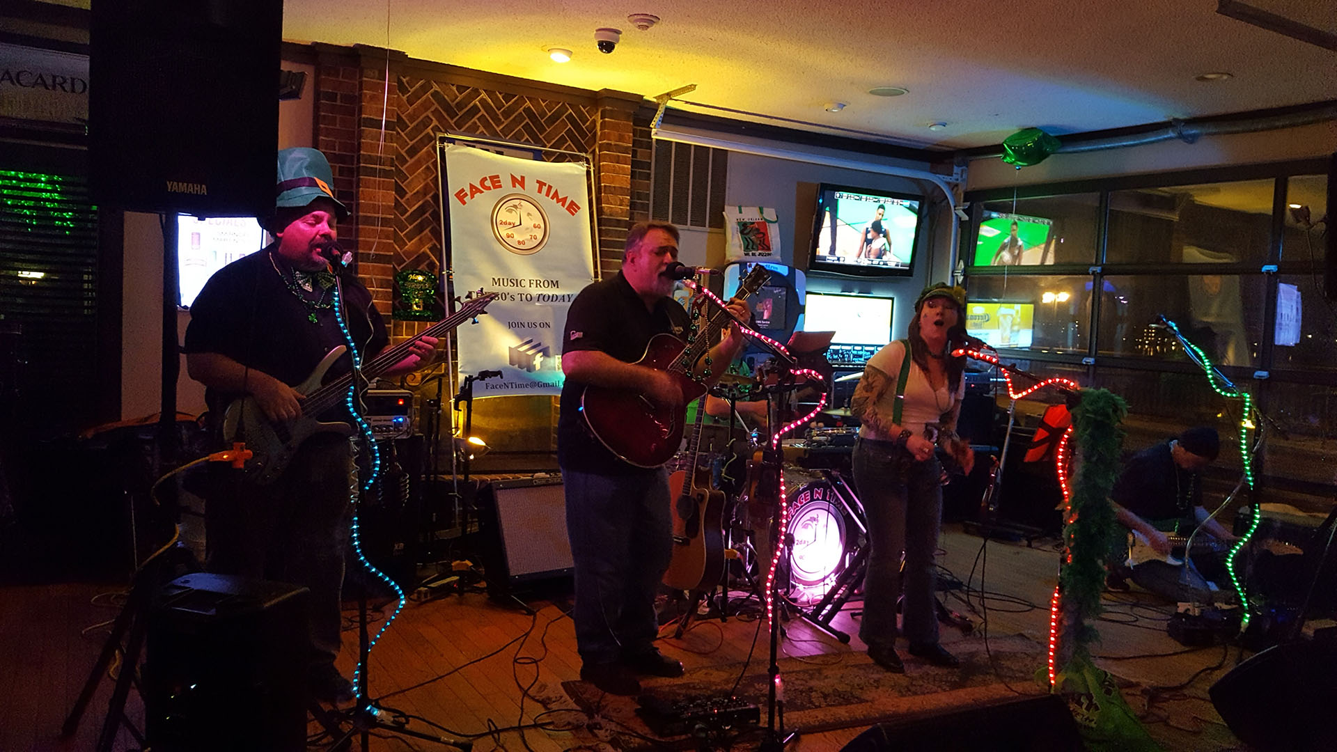 Weekly Live Bands