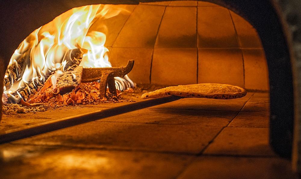 Pizza på Taverna Brillo Fotograf Arseny Selov