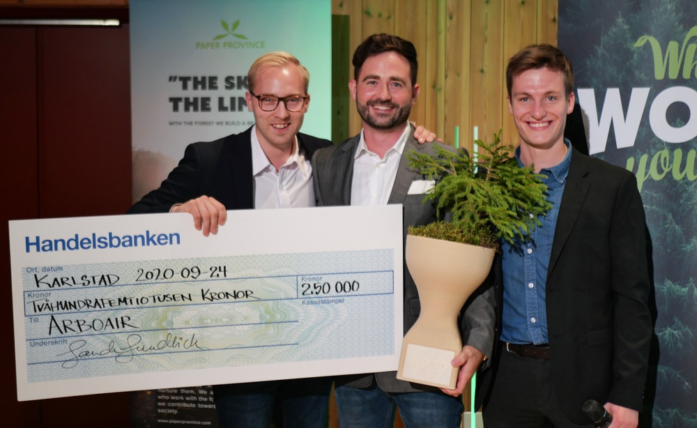 """Arboair is the winner of the """"What wood you do"""" innovation competition. From the left: Jacob Hjalmarsson, Markus Drugge and Josef Carlson. Photo: Annica Åman/Paper Province"""