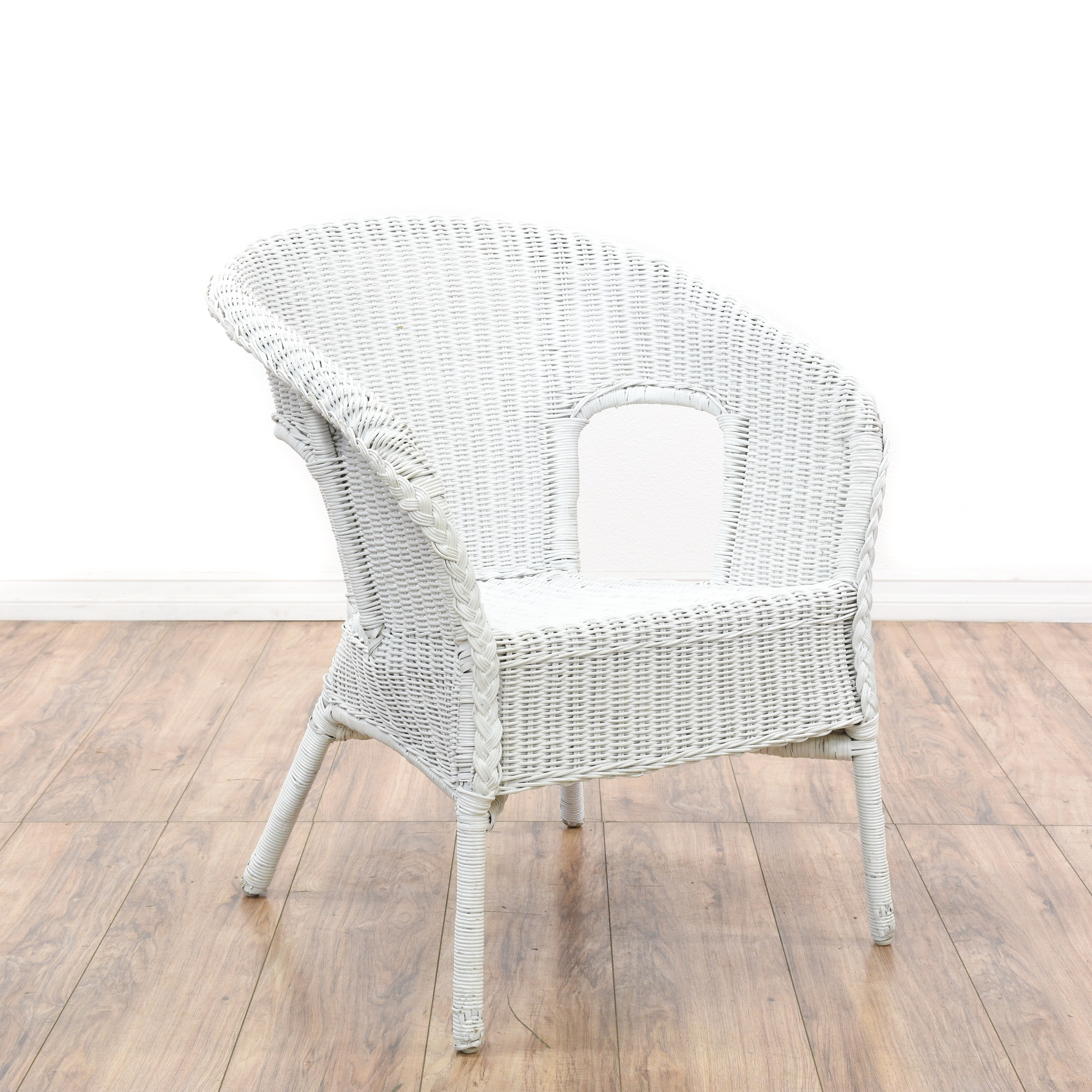 Patio Chairs Los Angeles: Pair Of White Wicker Patio Chairs