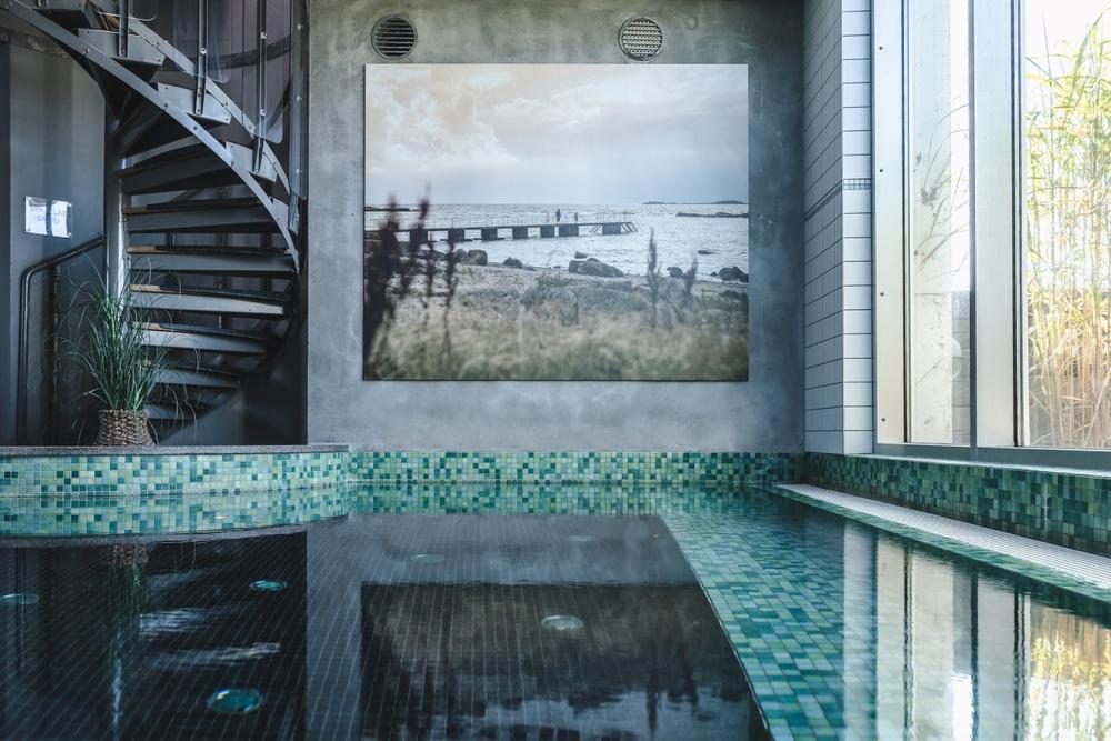 Indoor spa pool. Photo: Anders Karolyi