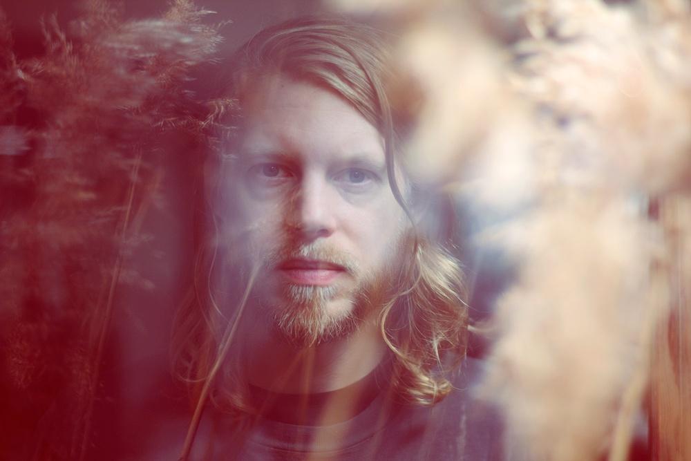 Kristoffer Åström deltar i en diasert under Live at Heart 2019