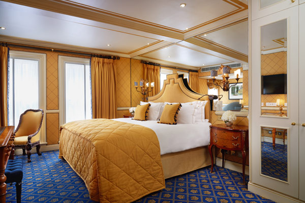 rubens-at-the-palace-bedroom
