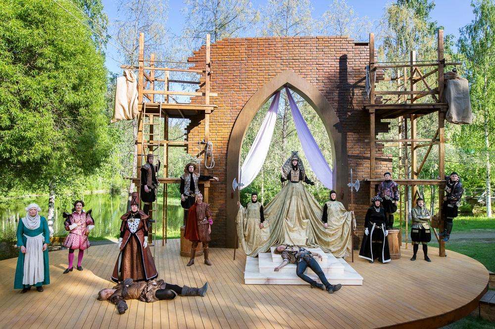 Romeo och Julia, sommarteater på Medlefors med Västerbottensteatern, sommaren 2020 och 2021.  Fotograf: Patrick Degerman