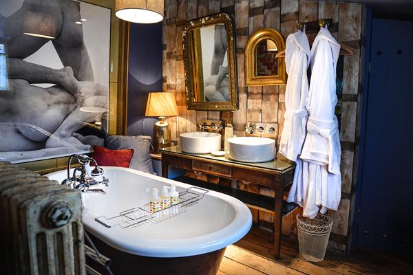 Bathroom at the Cheshire Cat's Roebuck Inn, Mobberley, Cheshire