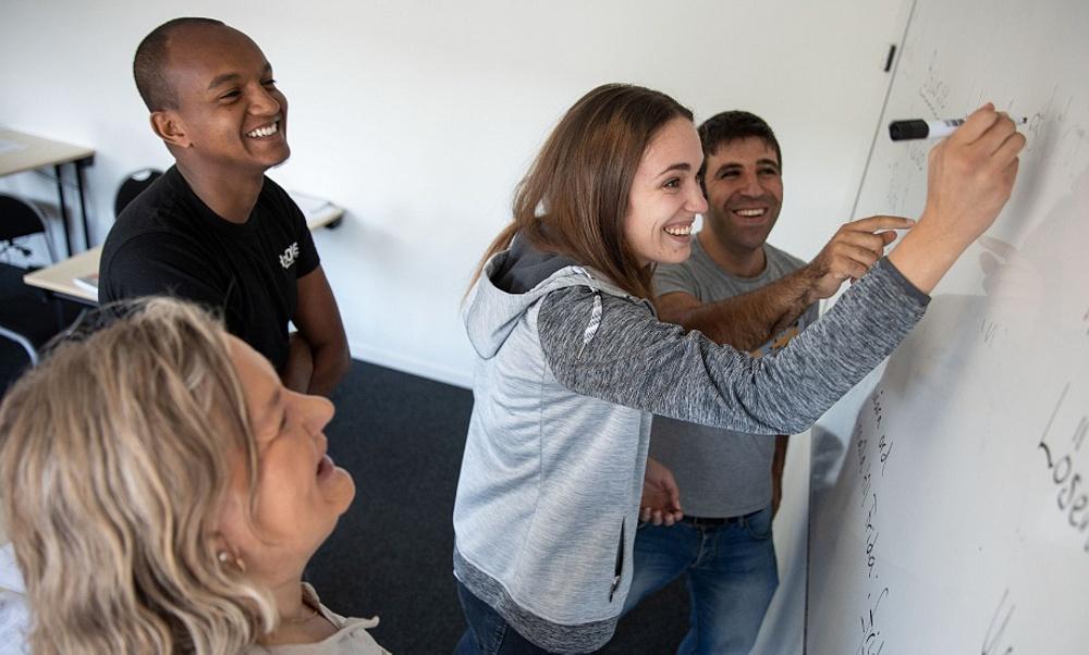Åtta av tio medarbetare inom AcadeMedia skulle rekommendera sin arbetsplats till andra