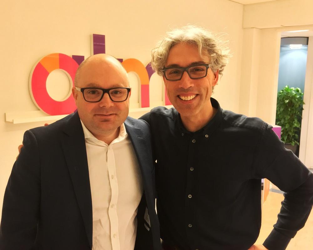 Almis rådgivare Erik Fridh och Sebastian van den Bergen leder arbetet med ökat fokus på digitala satsningar.