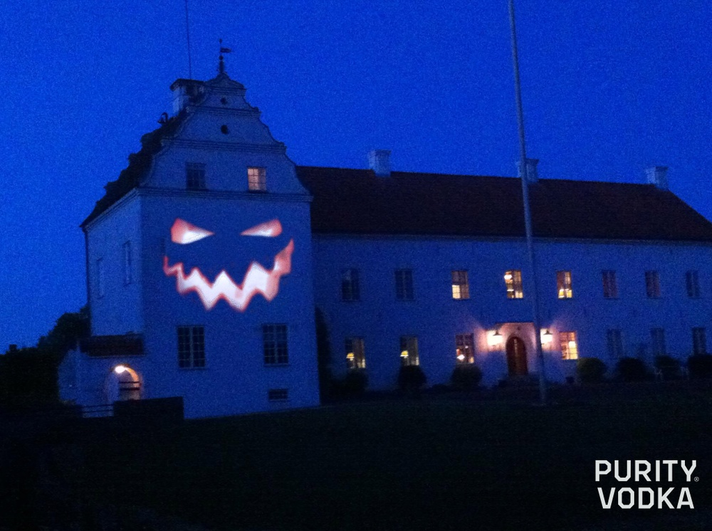 Halloween image of Ellinge Estate