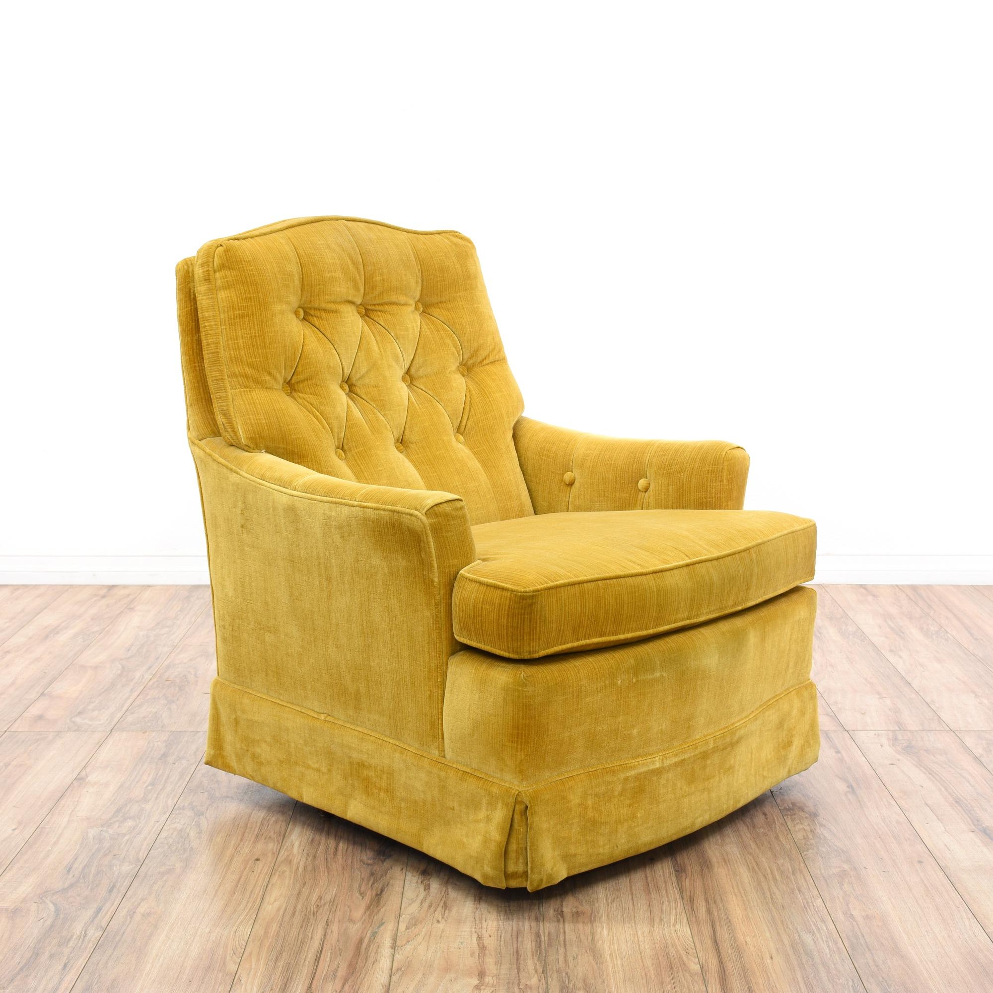 Quot Woodmark Quot Gold Velvet Chair W Tufted Back Loveseat