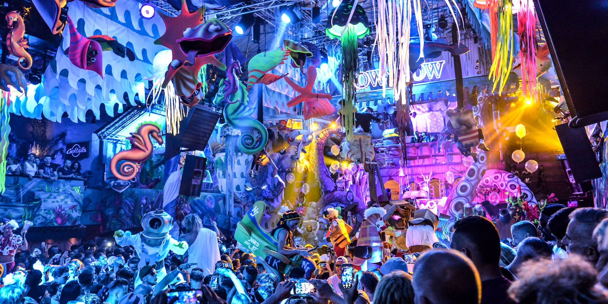 """""""I think we bring a different experience than just being in a dark room with loud music"""": An interview with Victor de la Serna, Music Director of elrow"""