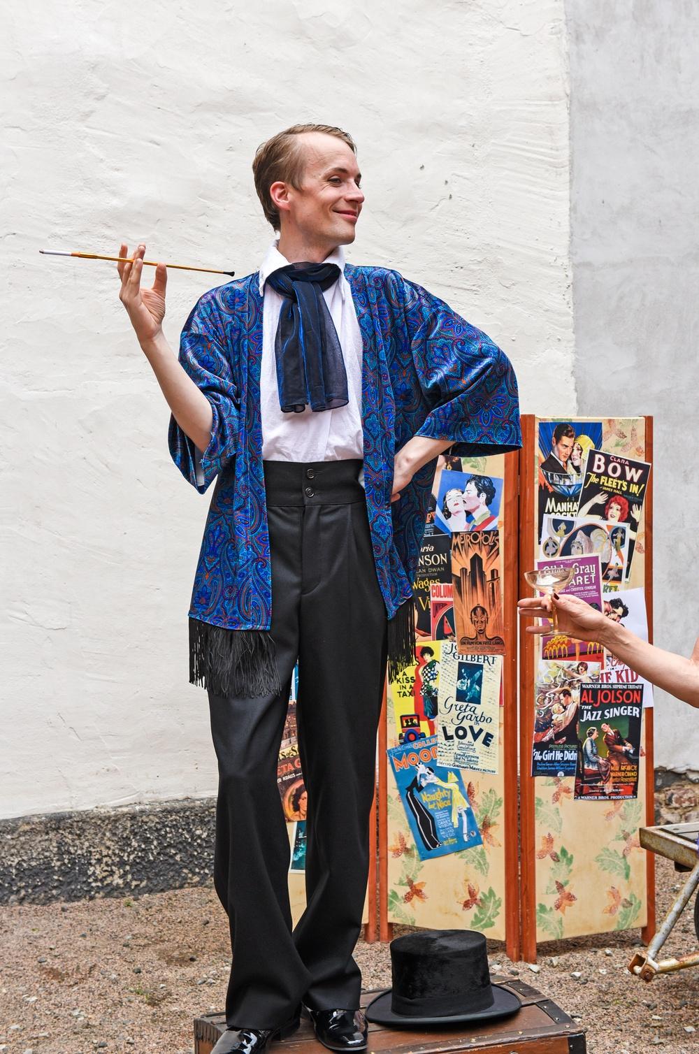 Pedagog Olle Ekström spelar regissören Karl Lang. Foto: Viveca Ohlsson/Kulturen