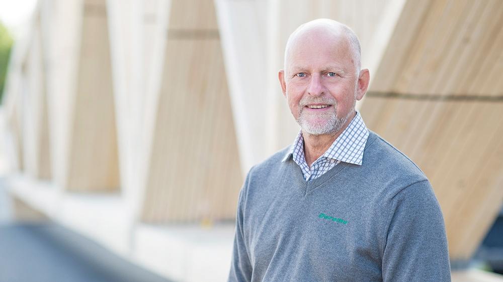 Karl-Eric Andersson belönas av H.M Konungen för sina värdefulla insatser inom svenskt näringsliv.