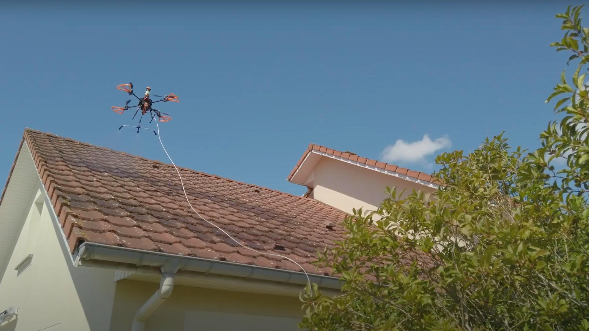 Représentation de la formation : Certification Télépilotage Drone Professionnel (sans théorique) - Démoussage par Drone