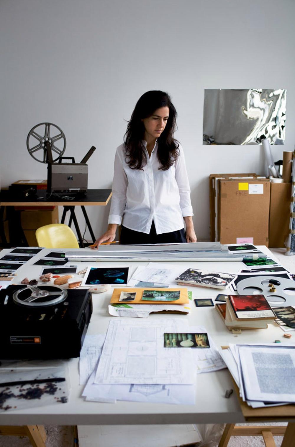 Parallellt med Lewerentzutställningen visas en installation av den hyllade filmkonstnären Amie Siegel i utställningsrummet Boxen på ArkDes. Amie Siegel gör ett filmkonstverk med utgångspunkt från arkitekturen och orglarna i Markuskyrkan och Sankt Petri kyrka.