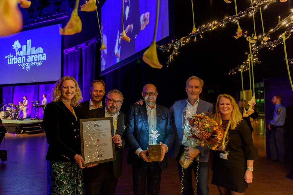 Vinnarna Väla, tillsammans med award partners MK Illumination och RStudio.