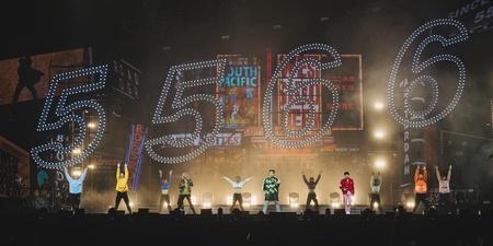 5566新加坡演唱会后记:与狮城粉丝相聚 三小时欢乐不间断