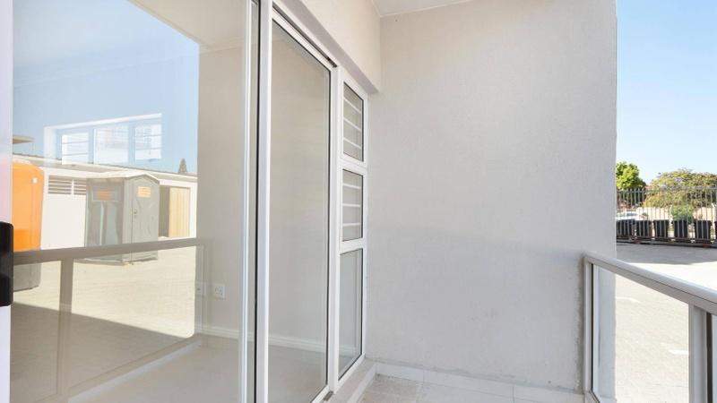 Exterior / balcony