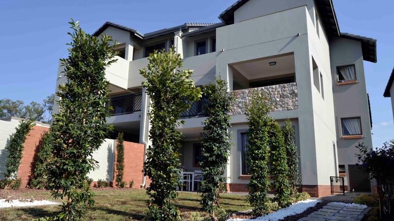 Riverbend estate kyalami overview hellohouse for Riverbend estate
