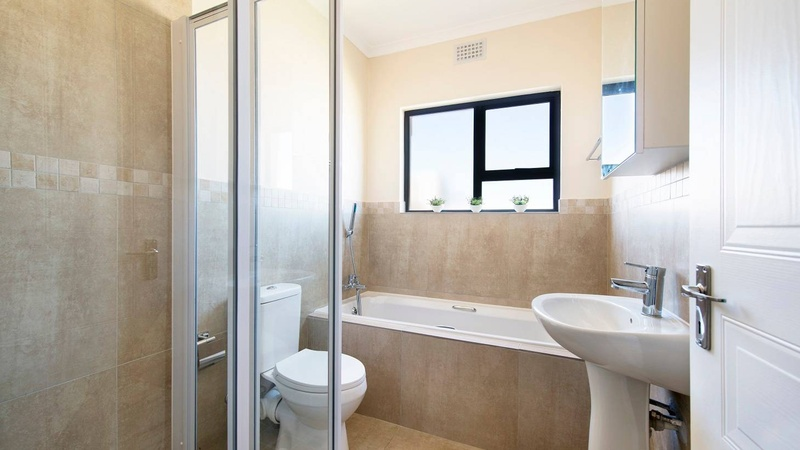 Richmond Grove - Bathroom