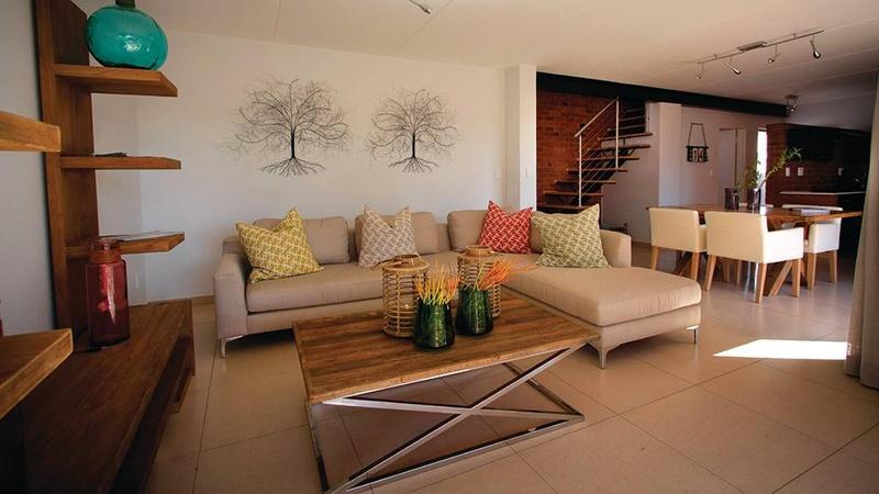Duplex Lounge