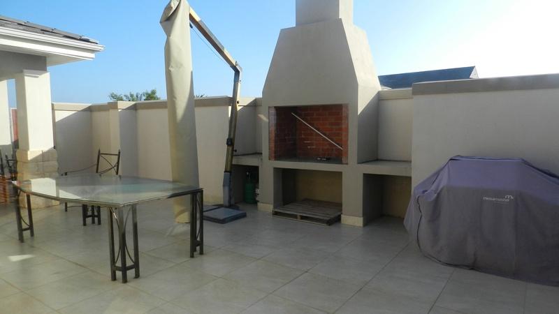 Exterior / Braai area
