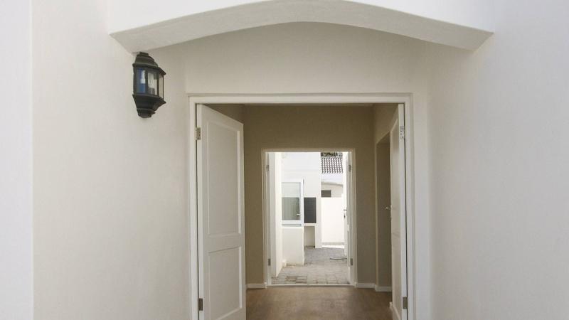 Exterior / Entrance